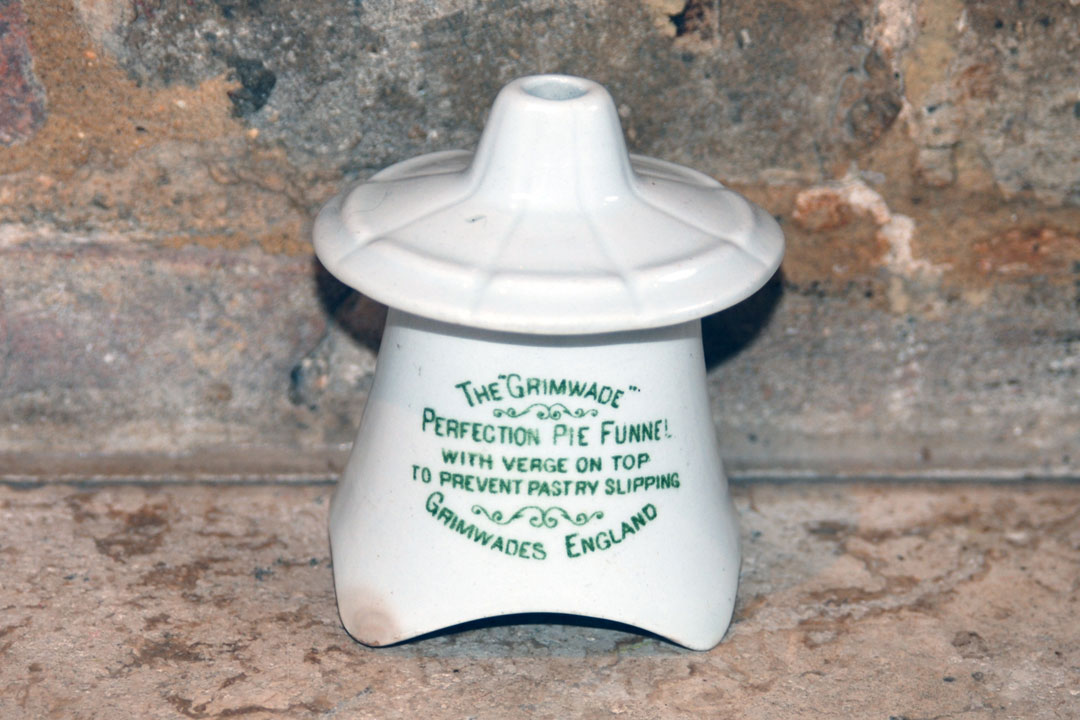 the grimwade grimwades green advertising ironstone perfection pie funnel vent