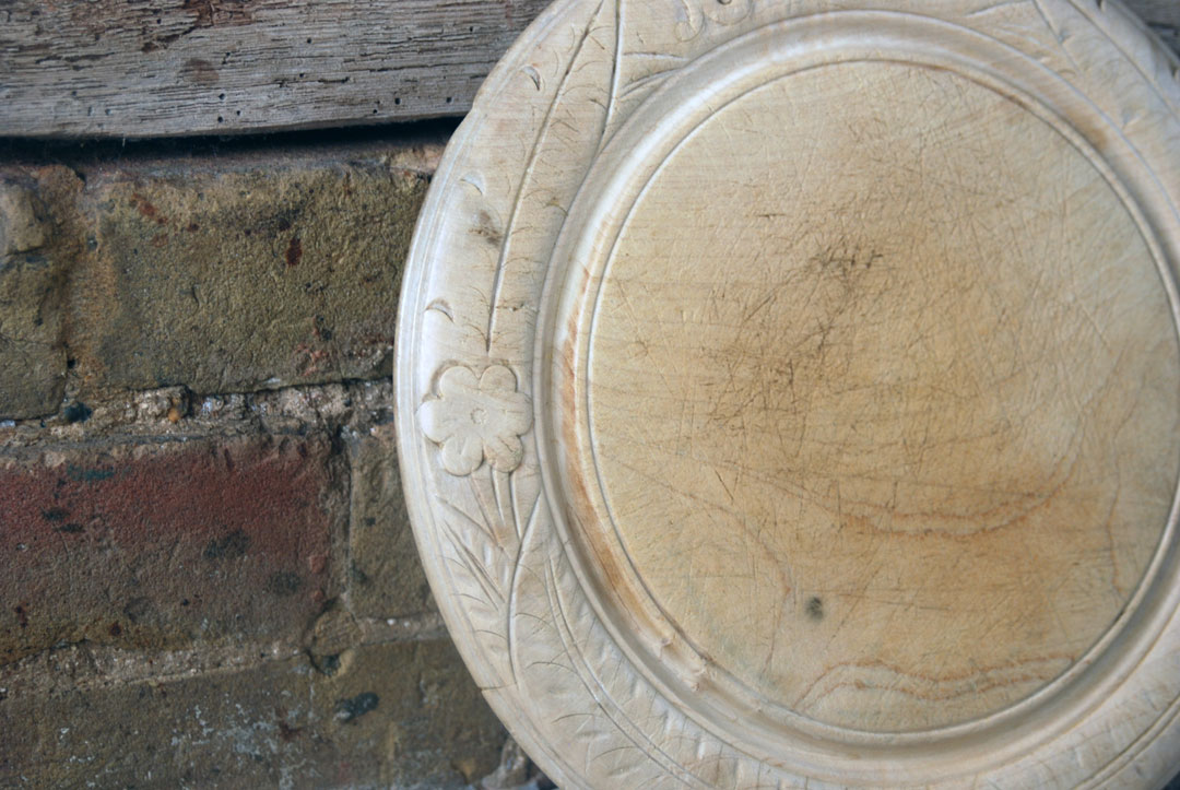 antique late victorian carved english wooden treen bread board gothic style script flowers leaves