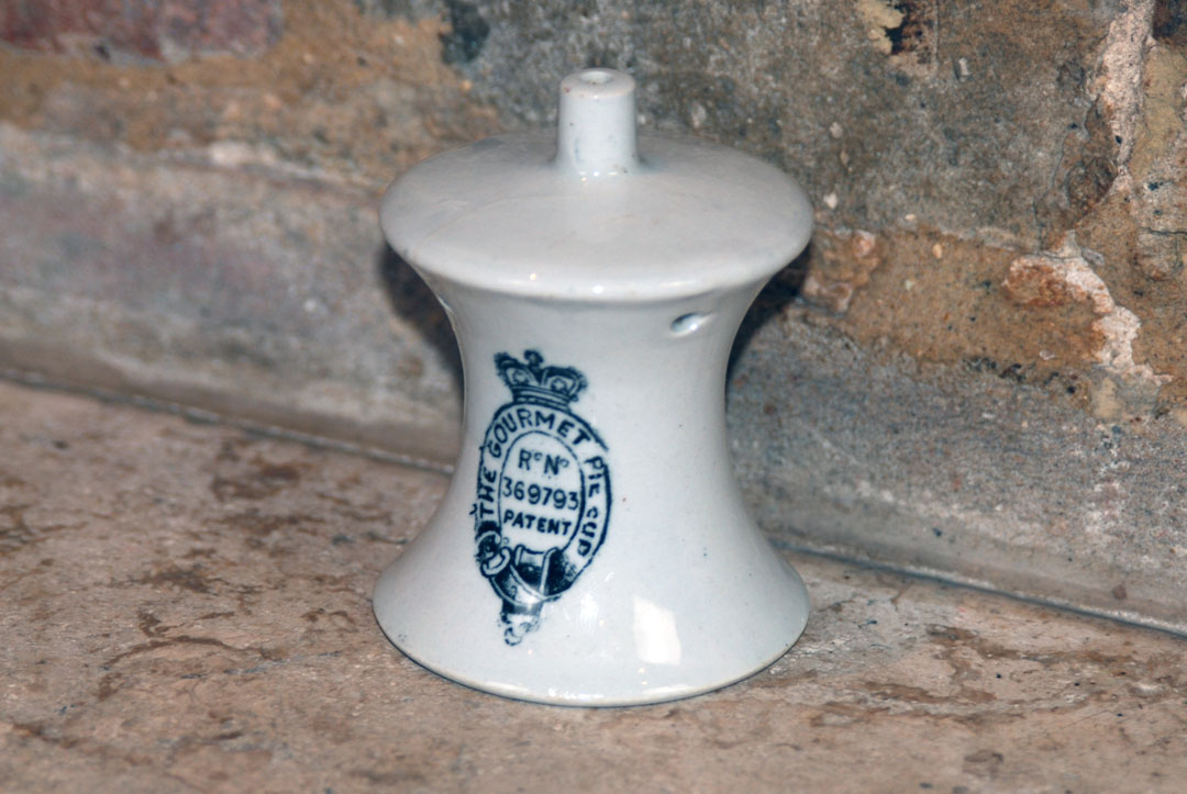 Antique early 20th century gourmet pie cup collectable pie vent funnel
