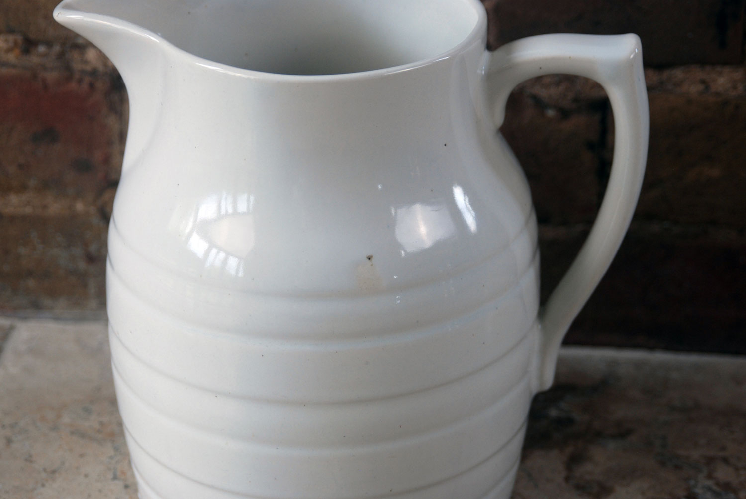 Edwardian early 20th century large six pint white banded ironstone sadler jug