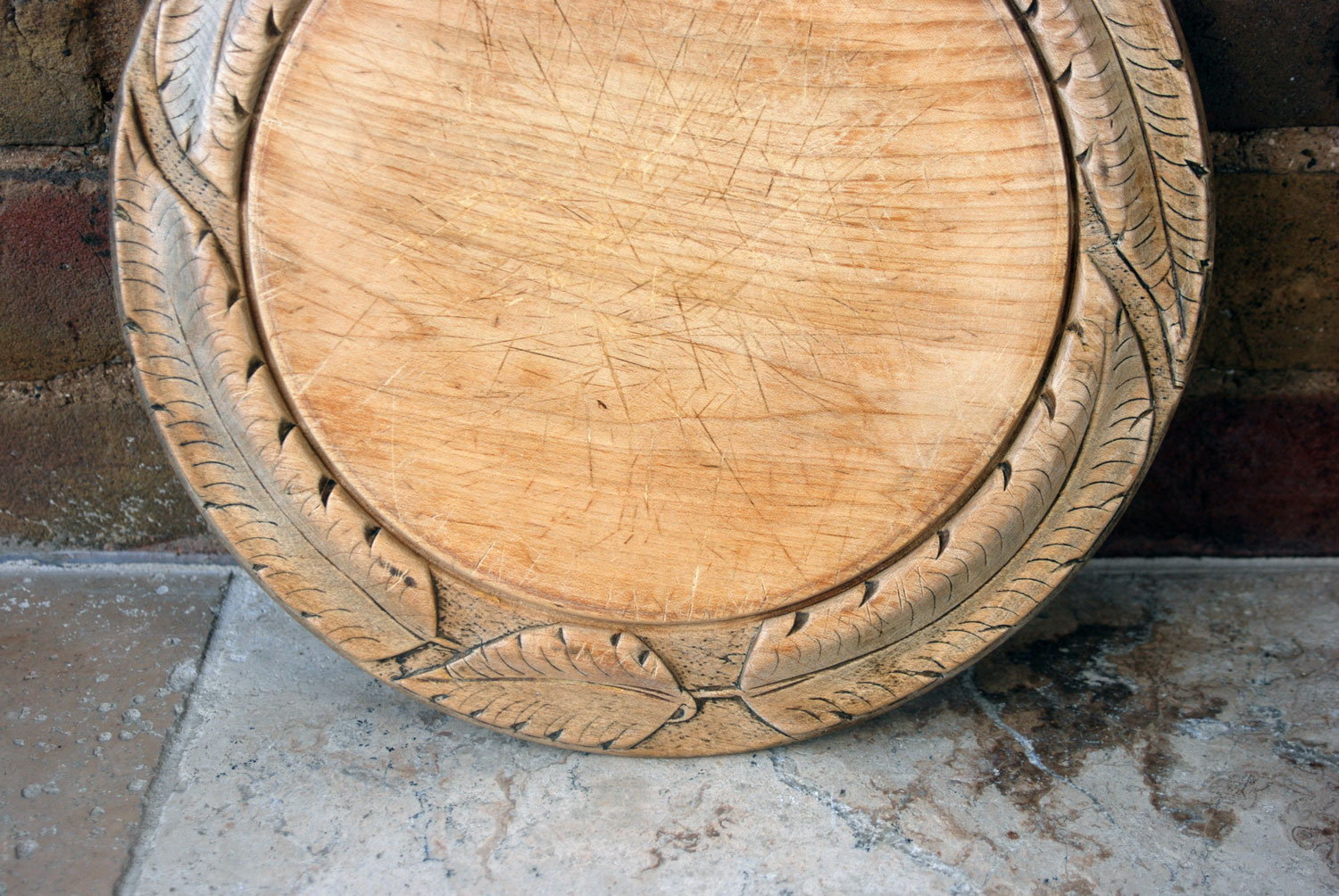 victorian antique deeply carved sycamore wooden treen english bread board breadboard leaf border