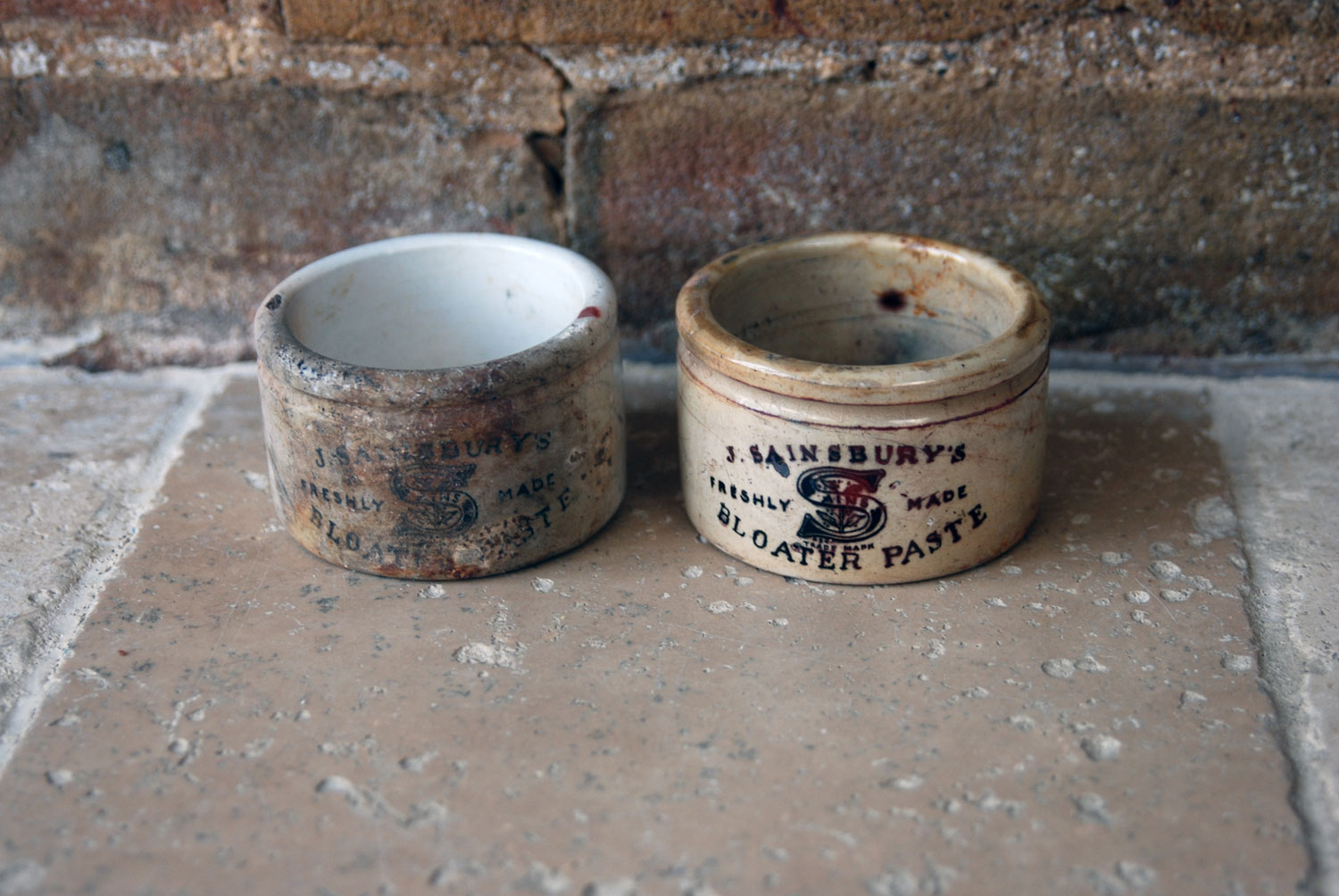 rusty chippy weathered antique white ironstone victorian advertising paste pots j sainsburys