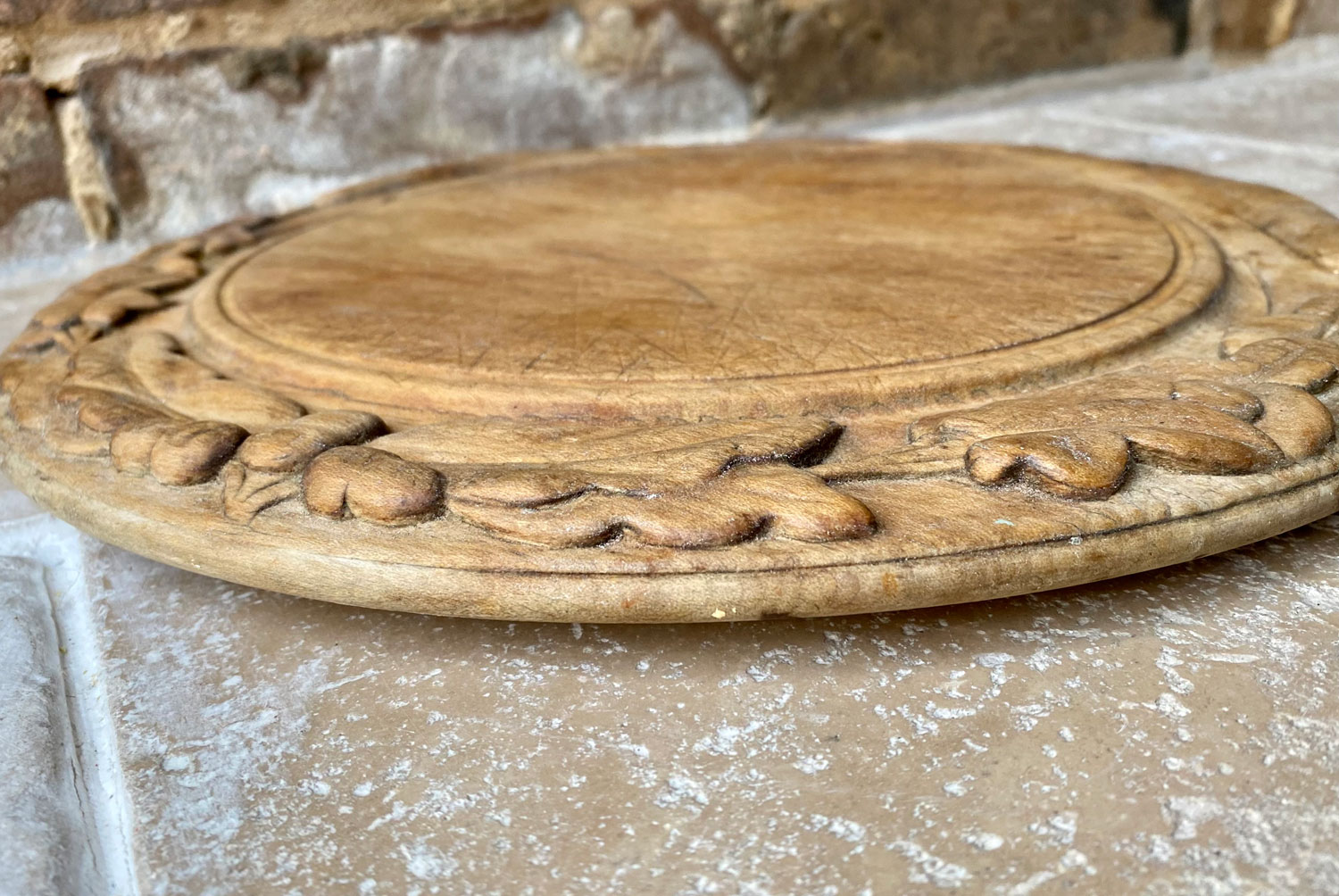 antique victorian deeply carved english sycamore treen wooden breadboard oak sprigs ivy berries acorns