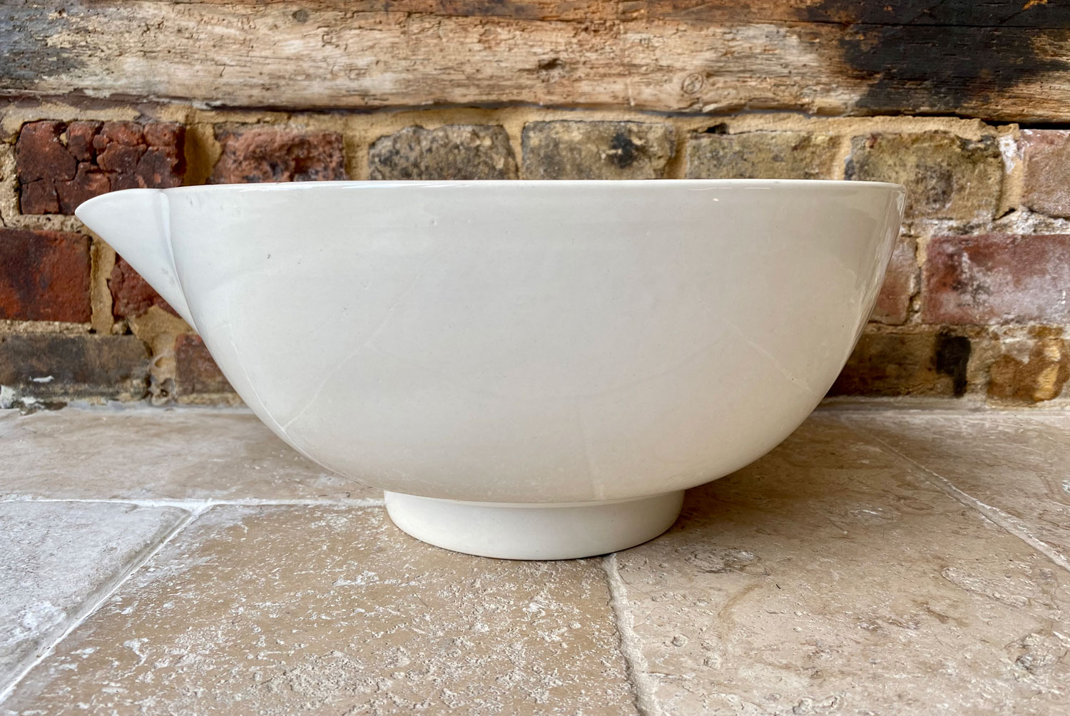 antique victorian extra large white ironstone dairy supply co 8 quart mixing bowl copeland pouring spout tip