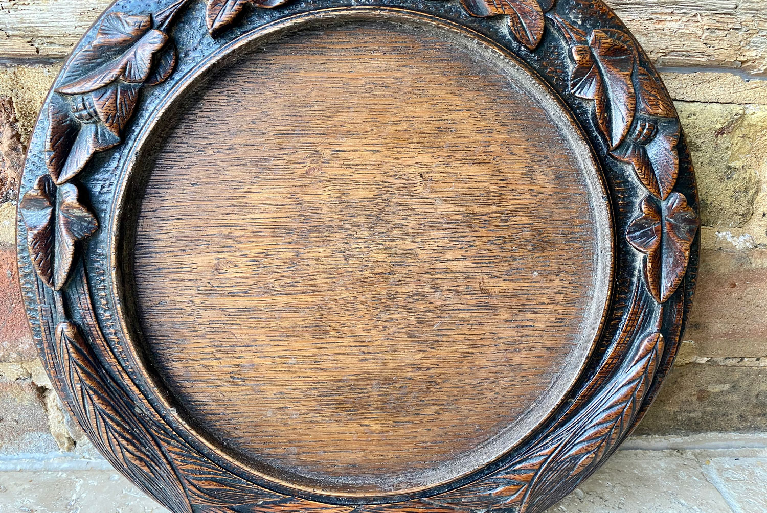 rare antique victorian english deeply carved treen wooden cheese dish breadboard oak ivy leaf garland decoration