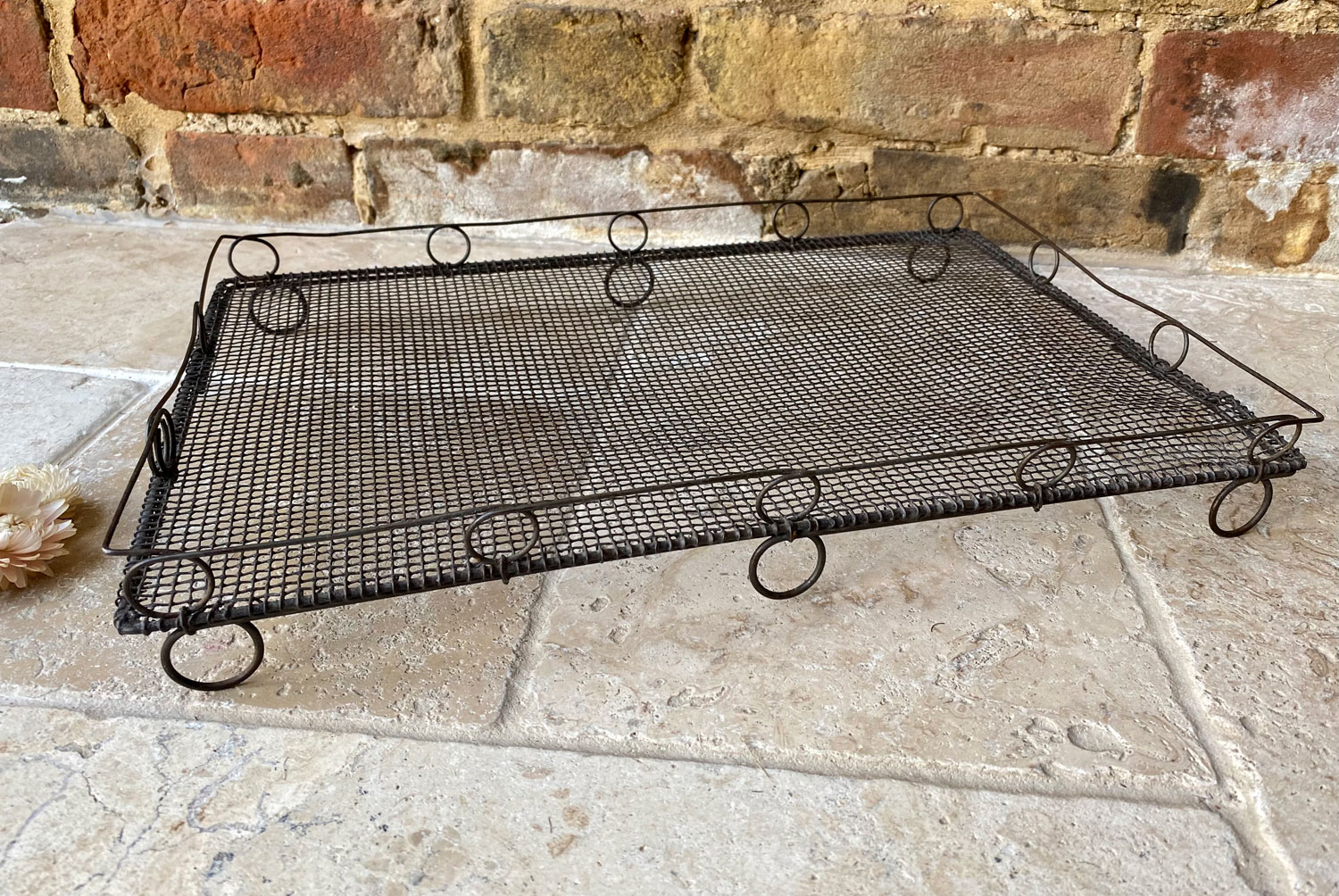 antique victorian late 19th century wirework loop rail topped wire cake cooling stand rack